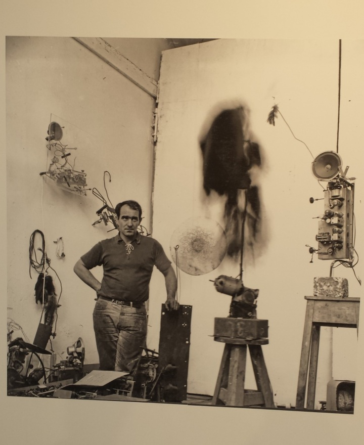 Photo tinguely cropped.jpg
