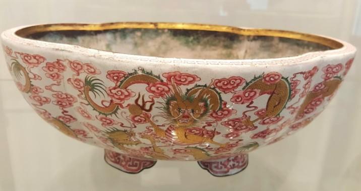 Jardinière en émaux de Beijing (1723-1735)